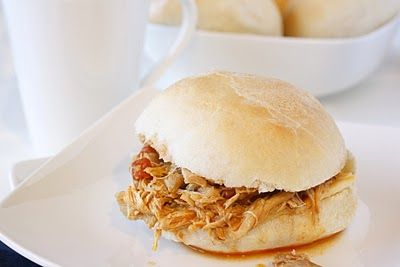 Slow-Cooker Spicy Buffalo Chicken Sandwiches: Cooker Buffalo, Sandwiches Foodtast, Crock Pots, Chicken Sando, Chicken Slowcook, Shredded Buffalo Chicken, Buffalo Chicken Sandwiches, Chicken Sandwiches Sound, Spicy Buffalo