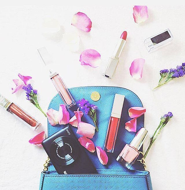 @abigirlx is totally obsessed with our spring colors ✨ Which shade will you reach for today?  @abigirlx craque pour nos coloris de printemps ✨ Quel teinte choisirais-tu ?