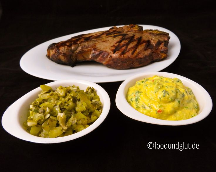 Spanische Mandelsauce und Koriander-Salsa sind zwei tolle Beilagen zu gegrilltem Fleisch, Fisch und Meeresfrüchten. Rezepte sind von Max Boeddeker