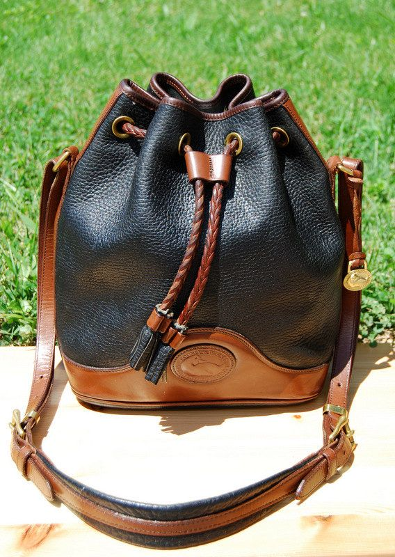 Vtg. Dooney and Bourke Black & Brown Leather Bucket Drawstring Bag // Two-Tone Pebbled Leather Bag // All Weather Leather, Made in U.S.A.