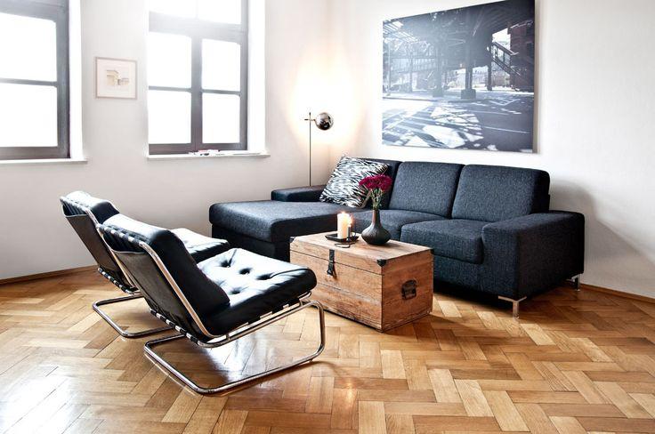 Maschile e femminile si fondono per una casa dal carattere moderno. Scoprite di più su Dalani Magazine>>