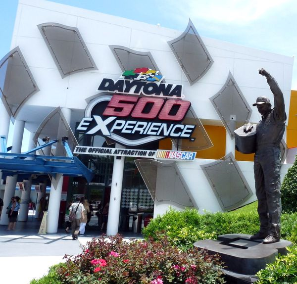 Daytona 500 Experience closing for a while, crowds off; same ...