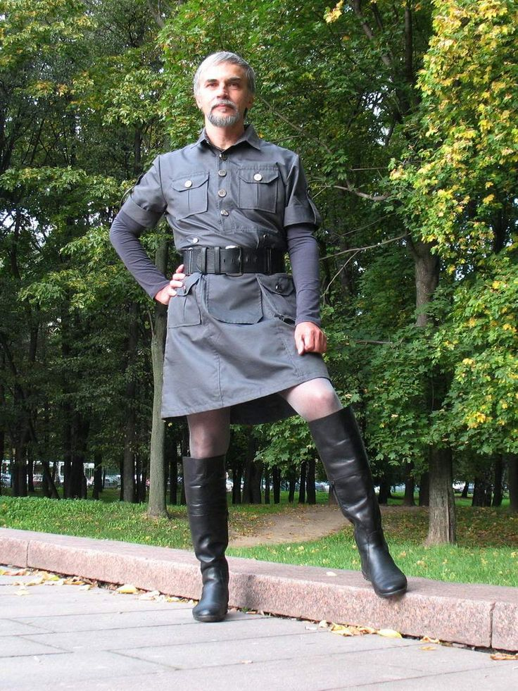 Not a mini skirt but still looks good and something men can easily wear as an alternative to boring pants...