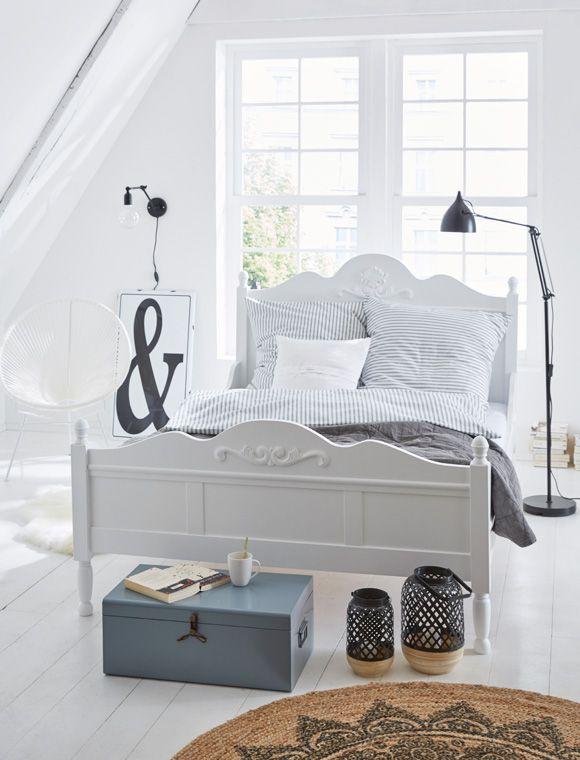die besten 25 gestrichene betten ideen auf pinterest kreide malen bett gestrichene. Black Bedroom Furniture Sets. Home Design Ideas
