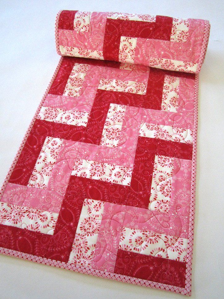 Quilted Table Runner   Valentineu0027s Day
