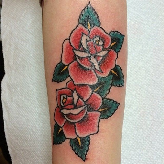 Double Traditional Style Rose Tattoo Traditional Rose Tattoos Rose Tattoo Sleeve Traditional Tattoo Flowers