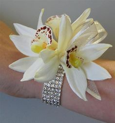 Wrist Corsages for Weddings | 89765035_large_18056.jpg