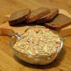 Салат с морковью и печен…