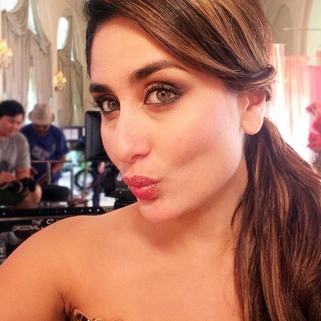 Poo Is Here Checkout Kareena S Debut Selfie On Instagram