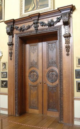 Oak double doors with doorcase acquired from the Vatican, with the Farnese Pope Paul III include the 'fleur de lys', 'the same as ours'.