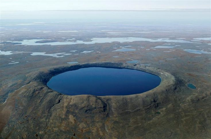 The Pingualuit impact crater lake (also known as the New Québec crater lake) is one of the rare terrestrial sites in high latitude regions that has stored the climate history of the Canadian Arctic over the past 1.3 million years.