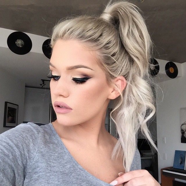 """Ponytail life  Using @bellamihair 20"""" extensions in Beach Blonde (toned to match) - use code """"batalash"""" for $$ off"""
