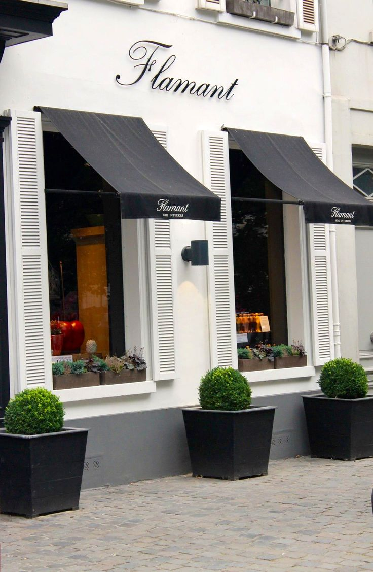 House design with shop - Flamant Shop Bruxelles Once Again The Canopies And Planters Make All The