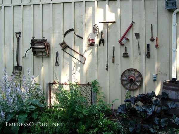 Just need to gather up all my rusty items, rake collection, old tool collection....and, I've got a cool wall.