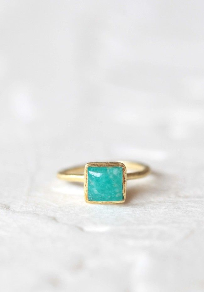 Modern Vintage Jewelry, absolutely love this website and prices :)