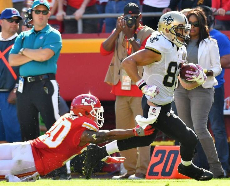 Saints vs. Chiefs  -  27-21, Chiefs  -  October 23, 2016:   New Orleans Saints wide receiver Willie Snead picks up a first down in front of Kansas City Chiefs cornerback Steven Nelson in the fourth quarter during Sunday's football game on October 23, 2016 at Arrowhead Stadium in Kansas City, Mo.