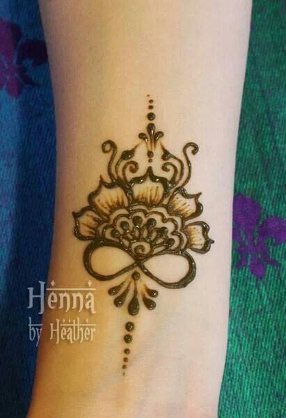 Mehndi Flower Images : Infinity symbol incorporated in design henna