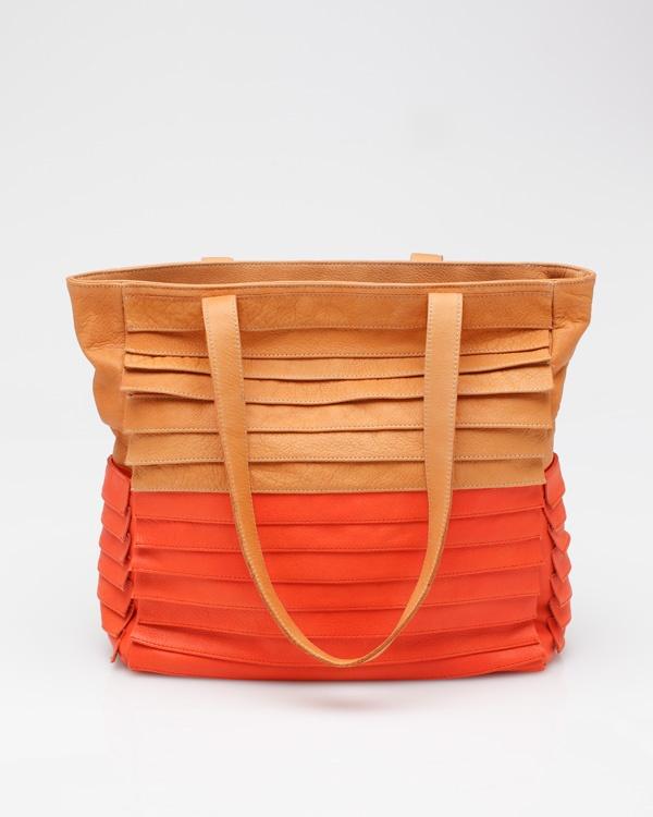 bottega in apricot / collina strada: Apricot Orange, Bottega Veneta, Leather Handbags, Summer Bags, Leather Totes, Fashion Fall, Beaches Bags, Collina Strada, Leather Bags