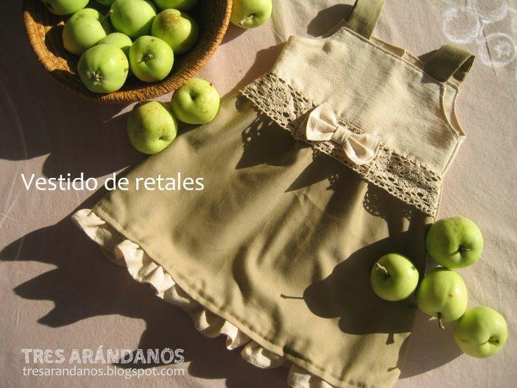 Patrón vestido de niña / Girl's dress with free pattern #tresarandanos #patrones #patronesgratis #vestidos #bebe #nina #costura