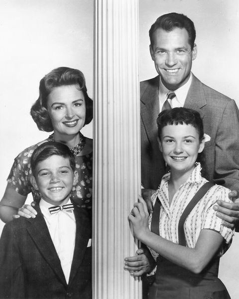From the 1958 first season (L-R): Donna Reed as Donna Stone, Carl Betz as Dr. Alex Stone, Paul Petersen as Jeff Stone, and Shelley Fabares as Mary Stone