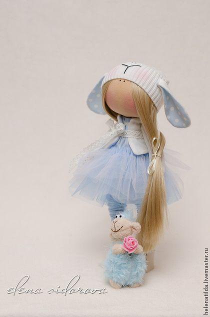 Коллекционные куклы ручной работы. Ярмарка Мастеров - ручная работа Девочка-овечка в голубом. Handmade.