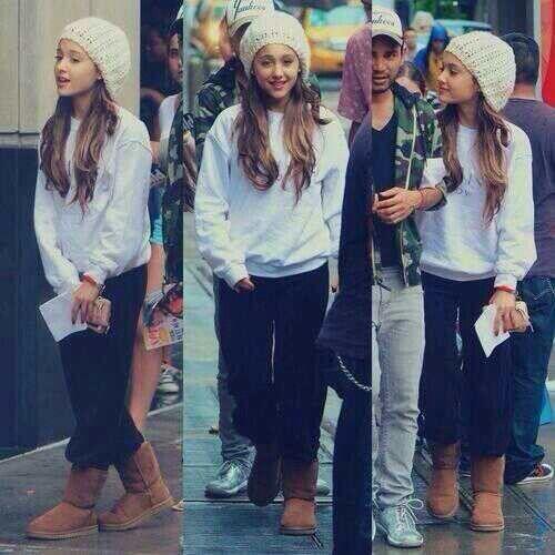 Ariana Grande is so cute! I love her!