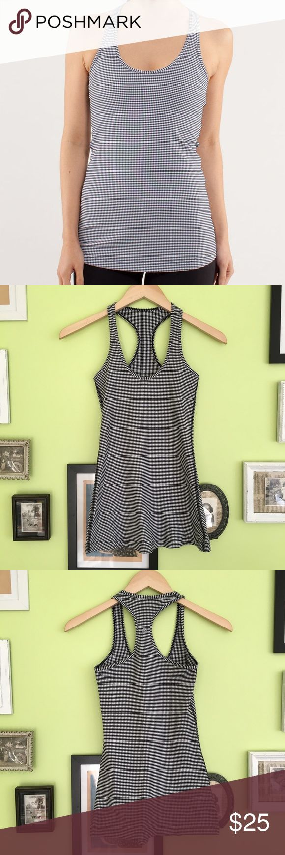 Lululemon Cool Racerback Tank Lululemon cool racerback gingham tank top. In very good condition. Not sure what the exact size is but I believe it is a 2.   ⭐️10% off 2+ bundle  ⭐️Size 2 ⭐️Smoke free home  ⭐️No stains or flaws lululemon athletica Tops Tank Tops