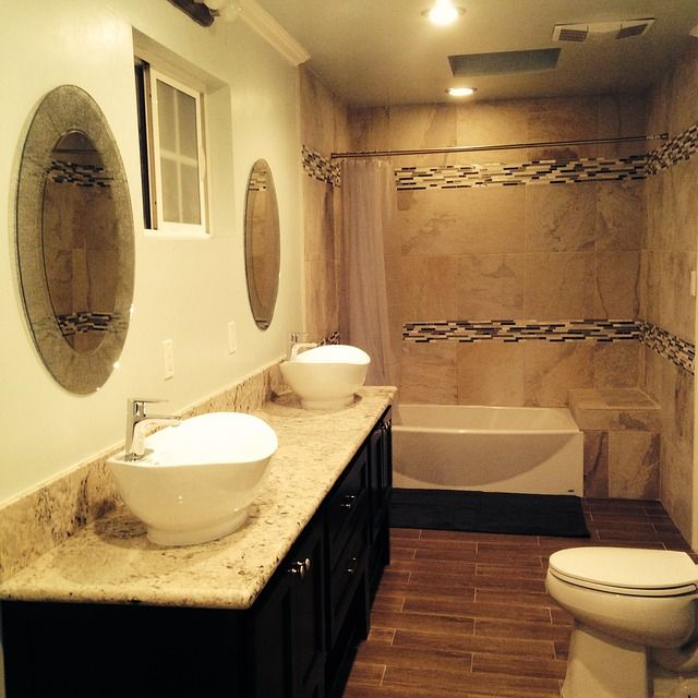 Tips for redecorating your bathroom and reducing energy costs. - love the colours. though dark... no windows.