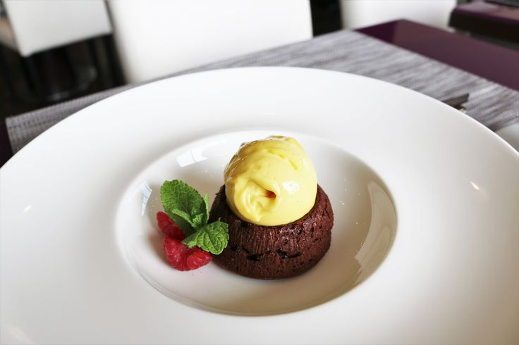 Chocolate fondant from our Á la carte dessert menu.