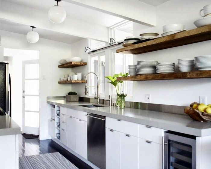 ARTICLE: TheSide Backsplash Dilemna - Should You Have One, Or No? Really glad I read this. I'm now rethinking my entire backsplash!