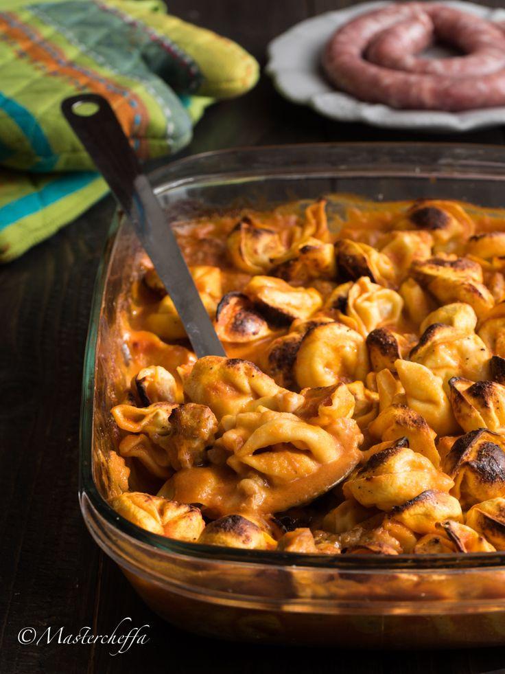 Tortellini al forno sugo di salsiccia e mozzarella