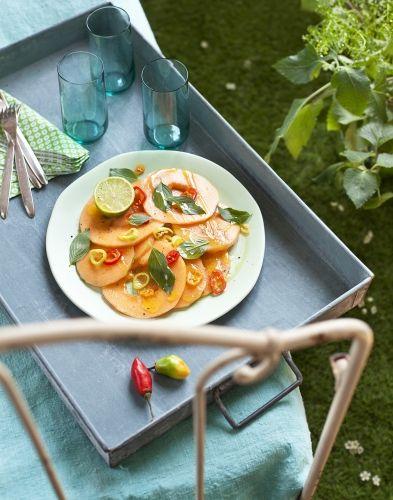 C'est l'été, vivez à l'heure du carpaccio de melon ! Variez les plaisirs en utilisant du melon galia ou du melon vert, par exemple.