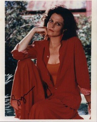 Sigourney Weaver - Photo posted by isabelle10