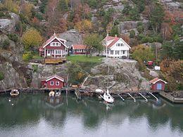 Fjord Göteborg.jpgEl archipiélago de Gotemburgo1 (en sueco, Göteborgs skärgård) es un conjunto de islas de Suecia localizadas en aguas del Skagerrak (mar del Norte, frente a a la región de Gotemburgo. Administrativamente pertenecen a la provincia de Västra Götaland. Se considera dividido en dos grupos distintos: el archipiélago del Norte (Norra skärgården) y el archipiélago del Sur (Södra skärgården).