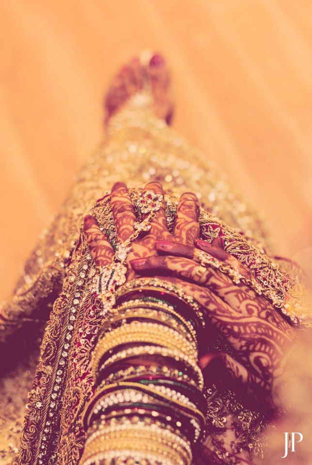 MEHENDI, Jalaj Panth Photography, Lucknow  #weddingnet #wedding #india #lucknowwedding #indian #indianwedding #weddingdresses #mehendi #ceremony #realwedding #lehenga #lehengacholi #choli #lehengawedding #lehengasaree #saree #bridalsaree #weddingsaree #indianweddingoutfits #outfits #backdrops  #bridesmaids #prewedding #photoshoot #photoset #details #sweet #cute #gorgeous #fabulous #jewels #rings #tikka #earrings #sets #lehnga