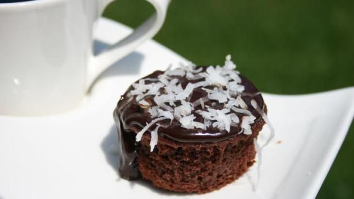 Chocolate cakes, Glaze and Coconut on Pinterest