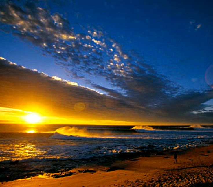 Supertubes Jefferys Bay, South Africa - It's no wonder why people are crazy about this place!