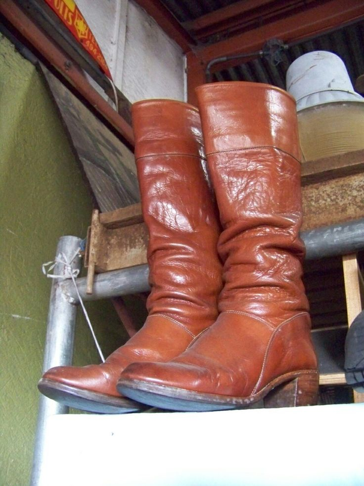 Woman leather boots.