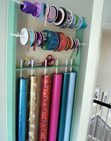 i've ALWAYS wanted a gift wrapping station. i've got the home, now i NEED this. kenny? can you make this for me?