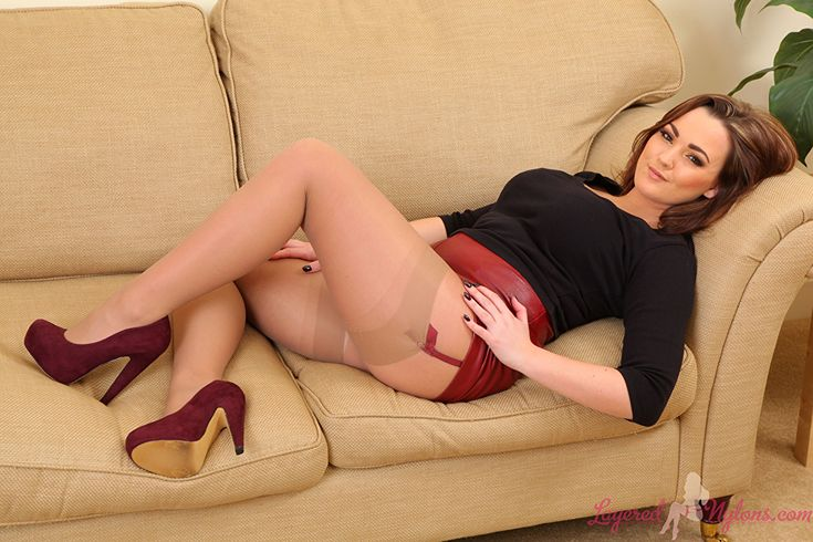 Obedient Jodie Gasson Stockings Brown Haired Young Woman Legs Couch Pictures 1