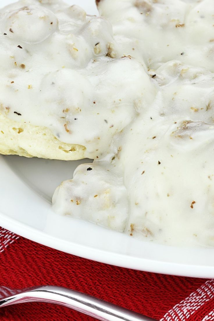 How to make sausage gravy with flour and milk