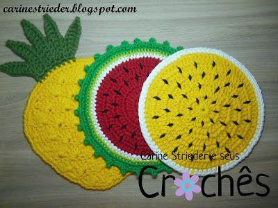 Carine Strieder e seus Crochês: Descansos de Panela: Abacaxi, melancia e maracujá