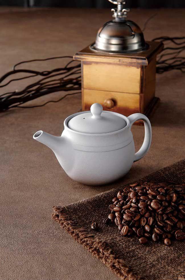 お茶を入れる感覚で珈琲のすべての旨みを注ぐ淹れ方ができます。。高山ドリッパーポット 白 コーヒーポット/こだわり/コーヒー好き/ドリップポット/常滑焼/日本製