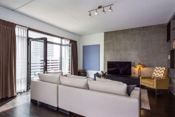 Eclectically-Modern-Downtown-Loft-02