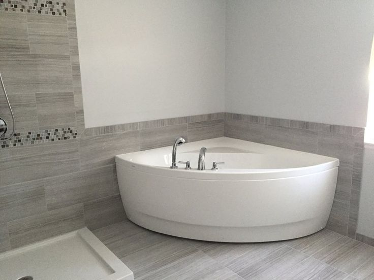 Aquatica Olivia-Wht Small Corner Acrylic Bathtub - Bathtub - Gorgeous Tub