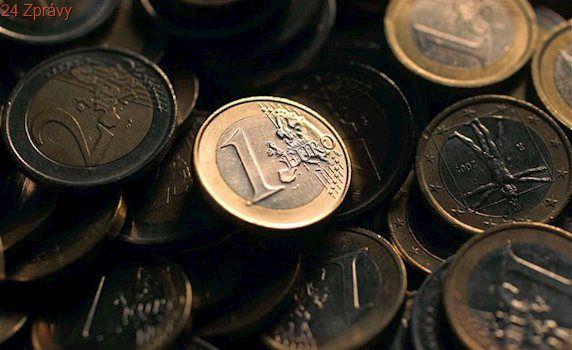 Euro velmi brzy zlevní, možná už příští týden, tvrdí experti
