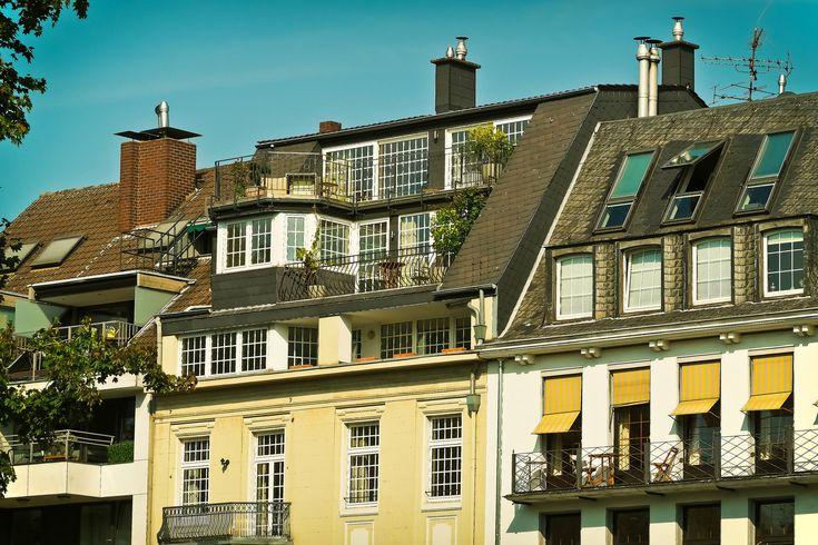 https://flic.kr/p/JdFgSJ | #Bostad att #hyra | Svårt att finna en bostad att hyra? Här är sidan för dig som önskar en bostad att hyra. Bostadatthyra.se är en av Sveriges ledande portaler för uthyrning av bostäder - lägenheter, rum, og hus. Samtidigt har Bostadatthyra.se Sveriges ledande öppna register med hyresgäster, dvs en databas med bostadssökande på marknaden, som söker hyresbostad just nu.