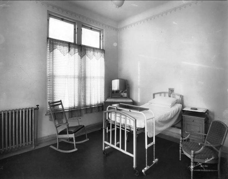 1930s Hospital Room