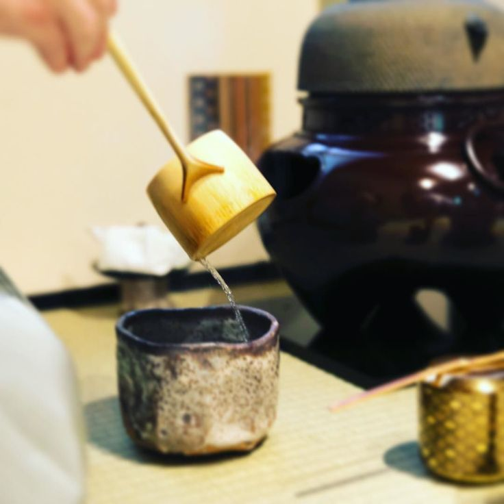 Pouring water for the tea.  Hot-water ladles used in the Enshu school are much larger than ladles in other schools. They are designed to in summer allow to ladle-out as much water as is necessary for a 3-person portion of thick tea. In winter ladles can hold as much as necessary for a 5-person portion.  #warriortea #teaceremony #riteoftea #tea #culture #tradition #water #matcha #茶道 #武家茶道 #遠州流 #抹茶 #peace