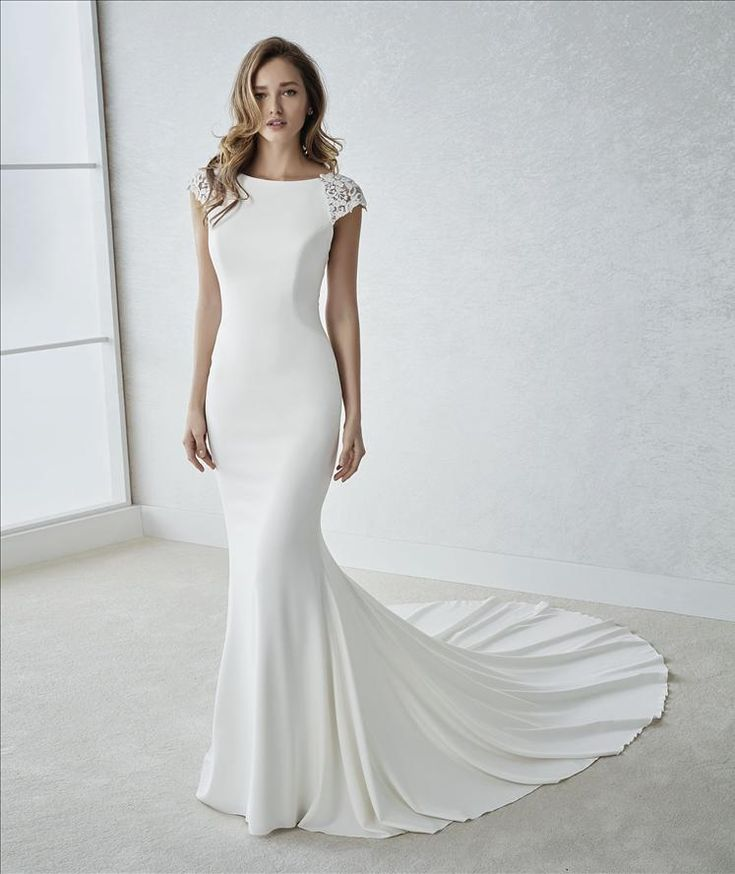 18 best White One Trunk Show images on Pinterest | Homecoming ...